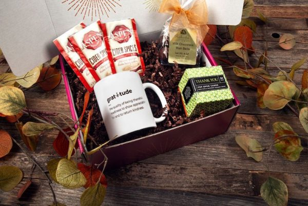 Decorative Thanksgiving box with Chocolate